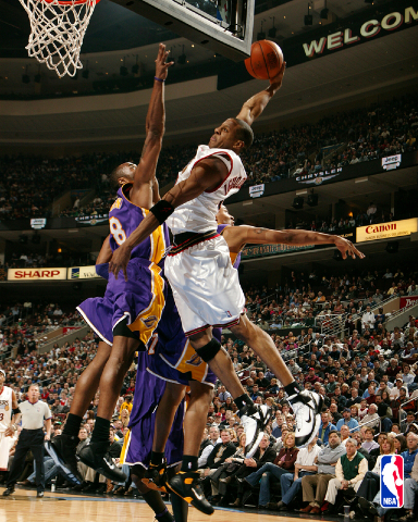 kobe bryant dunks on dwight howard. kobe bryant dunking on