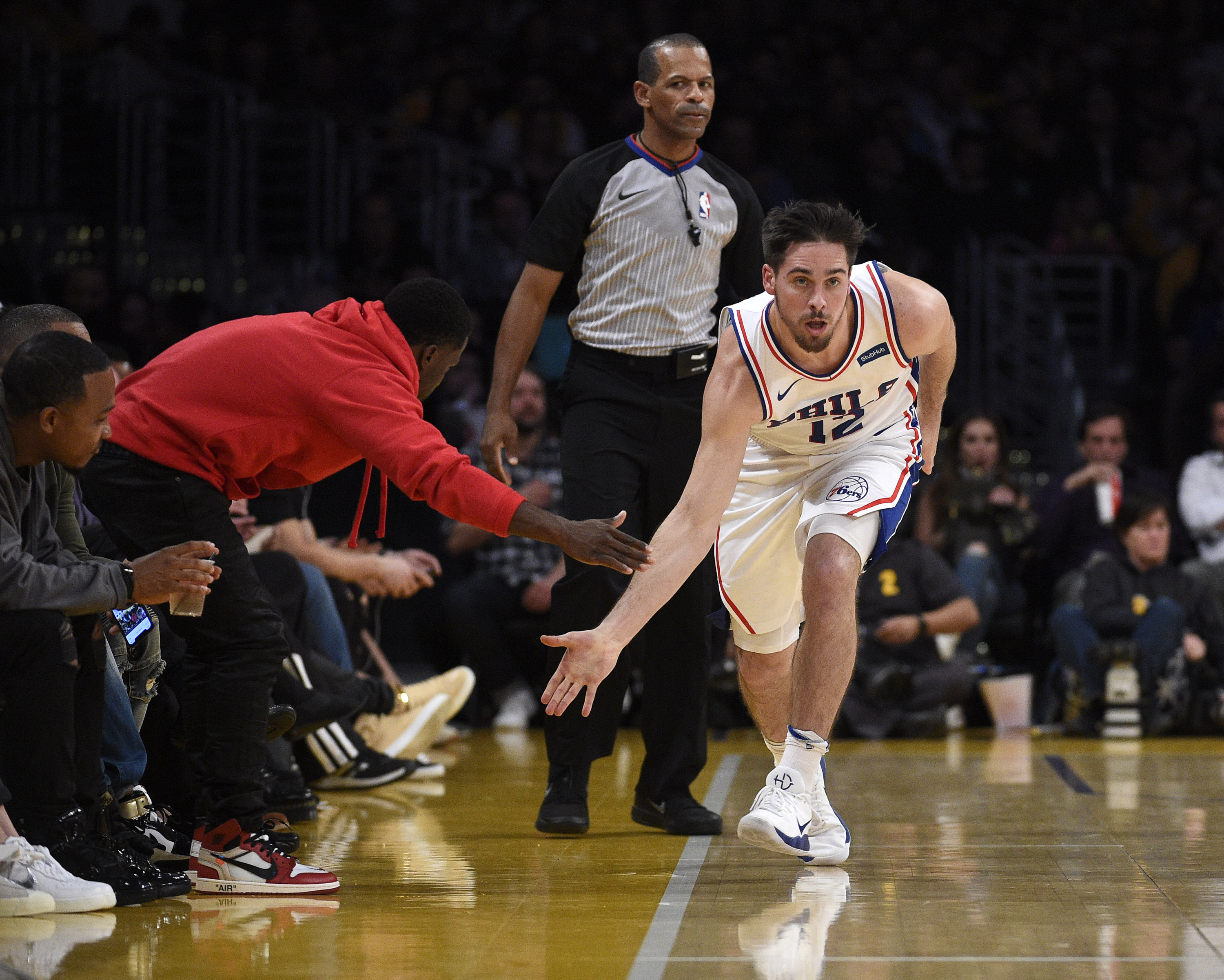 Sixers-Warriors observations: 22-point halftime lead evaporates against defending champs